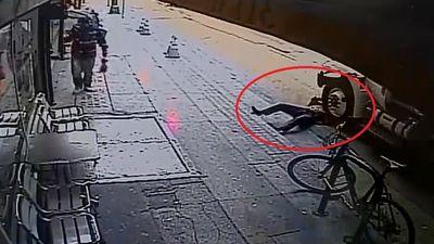 Người đàn ông thoát chết thần kỳ dưới bánh xe tải ở Mỹ