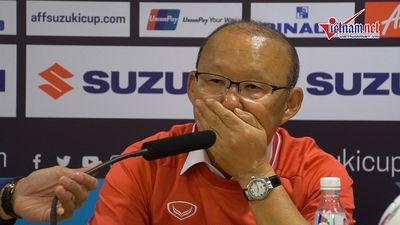 Thầy Park rớm nước mắt, xúc động cảm ơn CĐV Việt Nam, Hàn Quốc