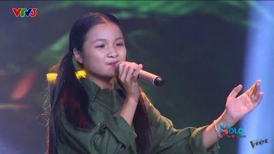 Thí sinh đội Hồ Hoài Anh - Lưu Hương Giang gây 'choáng' khi hát nhạc cách mạng