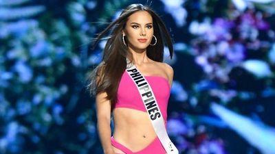 Tân Hoa hậu Hoàn vũ từng ôm cờ Philippines khóc ở Miss World 2016