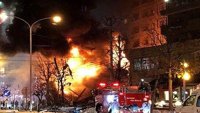 Tan hoang hiện trường vụ nổ đánh sập nhà hàng Nhật Bản