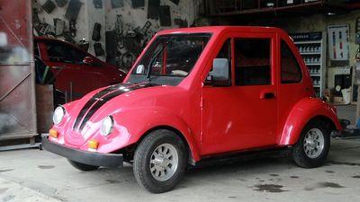 Độc đáo xe ôtô chạy bằng năng lượng mặt trời của nam sinh lớp 11 Nam Định