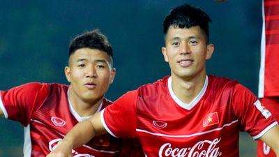 Đình Trọng: 'Đức Chinh xấu trai nhất đội nhưng lại có nhiều fan nữ'