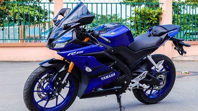 Cận cảnh Yamaha R15 vừa giảm giá 14 triệu tại Việt Nam