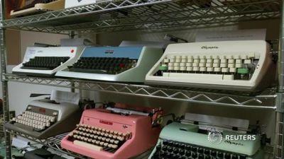Thời 4.0, vì sao giới trẻ Mỹ quay về với máy đánh chữ cổ điển?