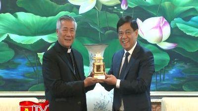 Giám mục Giáo phận Hưng Hóa chúc Tết CATP Hà Nội