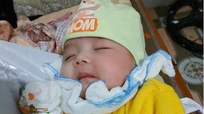 Nhiều gia đình 'xếp hàng' xin nhận nuôi bé 2 tháng tuổi bị bỏ rơi kèm lá thư