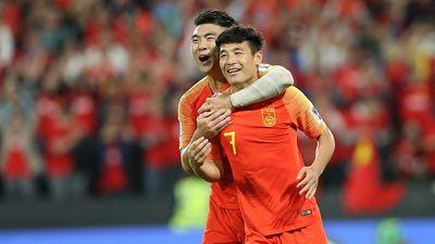 Sao số 1 Trung Quốc dính chấn thương nặng, có thể lỡ trận gặp Thái Lan
