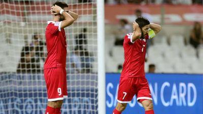 Căng thẳng đến phút chót, Việt Nam vượt vòng bảng nhờ chơi đẹp