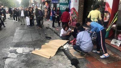 Clip vụ tai nạn kinh hoàng trên phố Ngọc Khánh