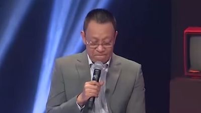 MC Lại Văn Sâm lần đầu tiên bật khóc trên sóng truyền hình