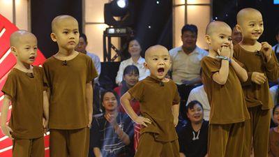 Tiết lộ bất ngờ về '5 chú tiểu' gây sốt tại 'Thách thức danh hài'