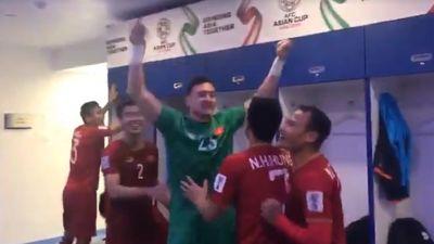 AFC đăng clip ăn mừng trong phòng thay đồ của đội tuyển Việt Nam