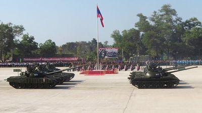 Xem dàn vũ khí Nga 'khoe cơ bắp' trong cuộc diễu binh ở Lào