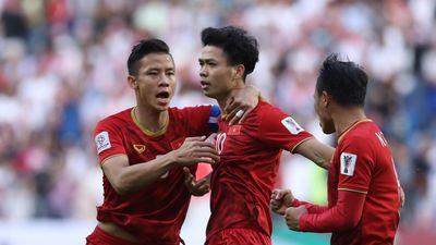 Clip: Công Phượng xuất sắc nhất ĐT Việt Nam trận gặp Jordan