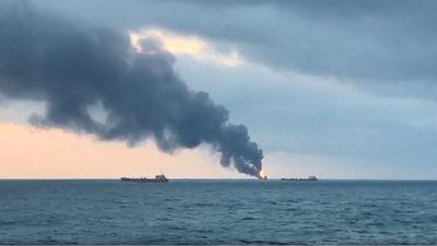 Nga: Cháy 2 tàu chở nhiên liệu trên biển, 11 người thiệt mạng