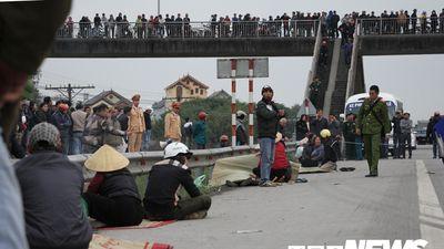 Đại tang ở ngôi làng 8 người bị xe tải tông trên quốc lộ 5