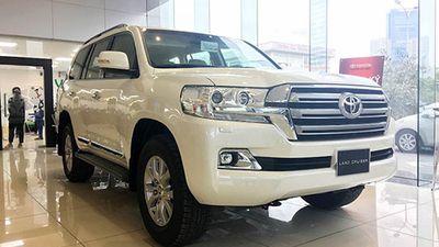 Cận cảnh Toyota Land Cruiser 2019 giá 3,99 tỷ tại Việt Nam