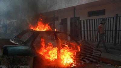 Toàn cảnh vụ đảo chính quân sự bất thành tại Venezulea