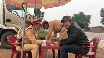 CSGT Quảng Bình phát hiện tài xế container dương tính với ma túy