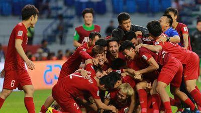 CLIP: Mèo 'tiên tri' dự đoán cực 'sốc' về kết quả trận Việt Nam vs Nhật Bản