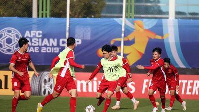 Clip: ĐT Việt Nam tập luyện trước trận tứ kết với ĐT Nhật Bản