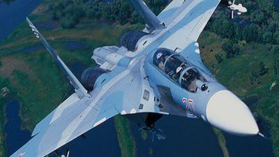 Tiêm kích Su-27 Nga đánh chặn máy bay trinh sát Thụy Điển