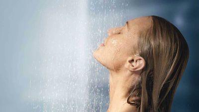 Bạn nên tắm vào thời điểm nào trong ngày?