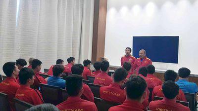 HLV Park Hang-seo yêu cầu tuyển Việt Nam phản ứng VAR đúng cách