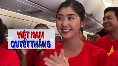 Cuồng nhiệt hát vang trên chuyến bay chở 300 CĐV sang UAE