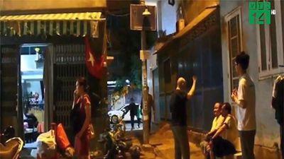 Di dời người dân khỏi chung cư bị nghiêng ở TP HCM trong đêm