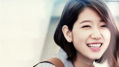 Những kiểu tóc ngắn 'hack tuổi' giống các mỹ nhân Hàn