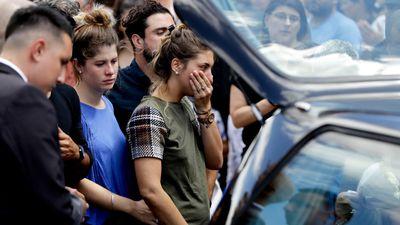 Hàng nghìn cổ động viên đến dự đám tang Emiliano Sala