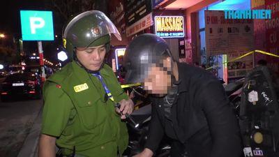 Mang dao và ma túy đi đêm, ai ngờ gặp Cảnh sát 911