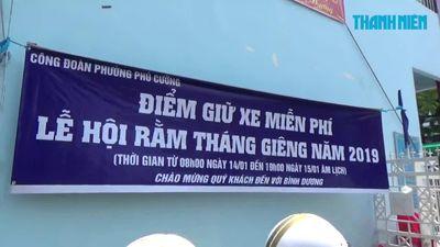 Tràn ngập dịch vụ miễn phí tại lễ hội chùa bà Bình Dương
