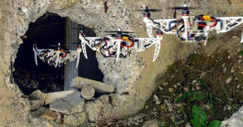 Drone Thụy Sĩ tự thay đổi hình dạng trong khi bay