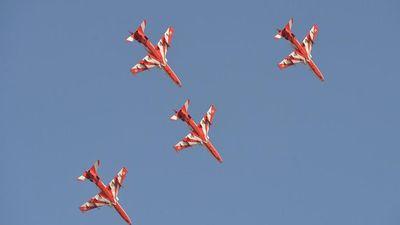 Ấn Độ: Máy bay biểu diễn đâm nhau khi tập luyện