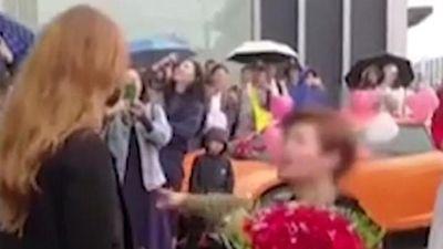 Mua Lamborghini cầu hôn cô gái Nga, chàng trai Trung Quốc bị cự tuyệt