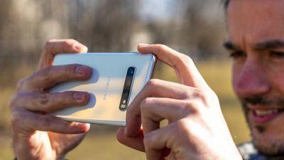 Loạt ảnh chụp đầu tiên từ Samsung Galaxy S10+