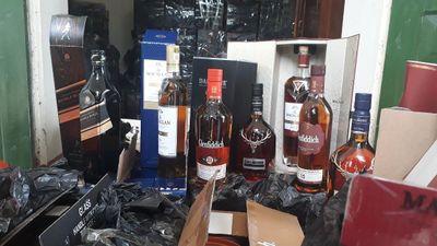 Biên phòng Quảng Ninh bắt vụ vận chuyển 1.185 chai rượu ngoại