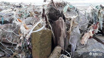 Hãi hùng bức tường bằng rọ đá bọc thép B40 trên bãi biển Sầm Sơn