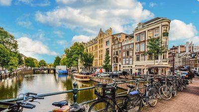 Amsterdam - thủ đô 'cuồng' xe đạp một cách kỳ lạ