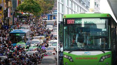 1.800 xe buýt 'cõng' gần 10 triệu dân: Cấm xe máy, rủ nhau chạy bộ