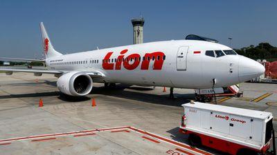 Máy bay Boeing 737 MAX bị rơi thiếu thiết bị an toàn