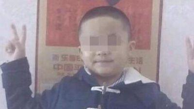 Học sinh qua đời vì bệnh bạch cầu, trường tuyên bố do 'quả báo'