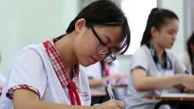 Học sinh Hà Nội gấp rút ôn tập Lịch sử cho kỳ thi vào lớp 10
