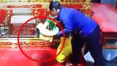 Nam Định: Truy tìm người phụ nữ trộm túi xách ở hội Phủ Dầy