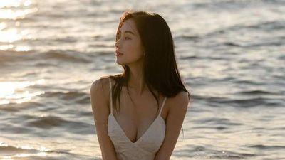 Jun Vũ diện bikini khoe dáng nóng bỏng