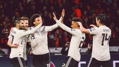 Đức thắng Hà Lan kịch tính ngay trên sân khách