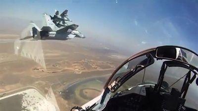 MiG-29SMT khoe chiến đấu nhóm sau khi được rút về từ Syria
